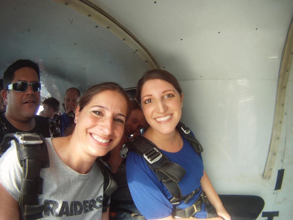 Skydiving Moxie (1/4)
