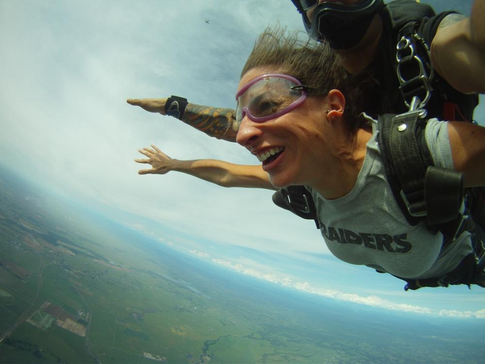 Skydiving Moxie (3/4)